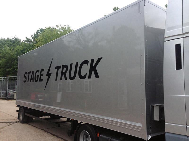 30ft trailer exterior